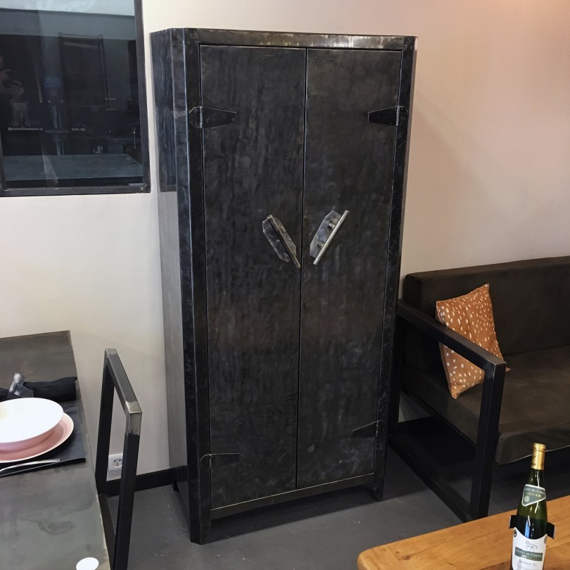https://www.elisabeth-nicolas.com/754-thickbox_default/armoire-de-cuisine.jpg
