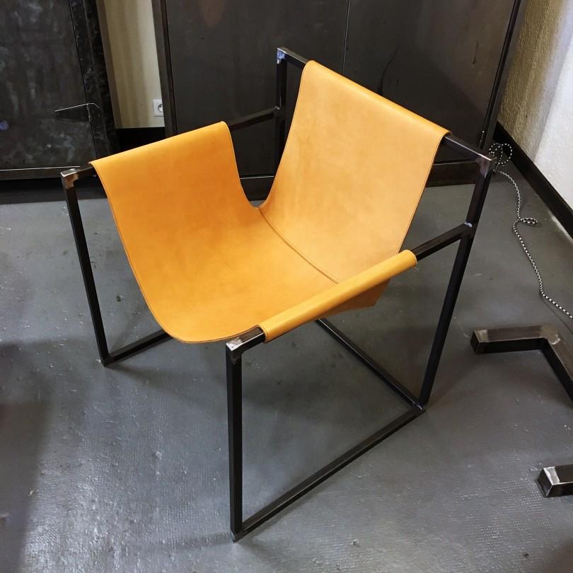 https://www.elisabeth-nicolas.com/810-thickbox_default/fauteuil-en-cuir.jpg